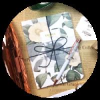 Блокнот. Размер - 13 * 18см. Материал - бумага. Цветочный орнамент обложки. Внутренний блок белого цвета, без разлиновки и датирования.