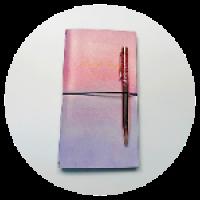 Блокнот. Размер - 20,2х11,5 см. Материал – PU, бумага. Цвет - розовый, фиолетовый.